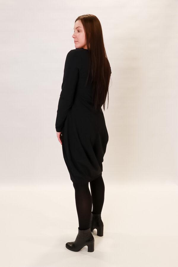 """""""Zeitlos"""" melna kleita"""