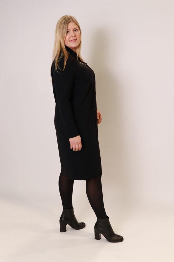"""Backstage"" melnas krāsas kleita"